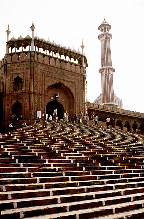 Jama Masjid, Delhi, India; photo: Dan Davies / New World Encyclopedia